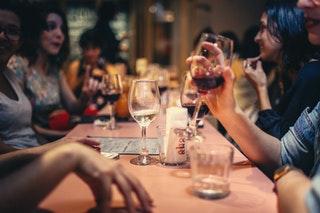 Miért népszerű a bor az emberek körében?
